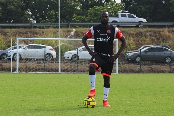 Boatswain debuts in Concacaf League.