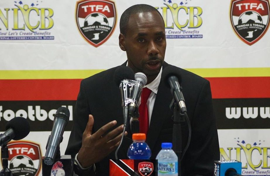 Lawrence calls on corporate T&T to support Pro League.