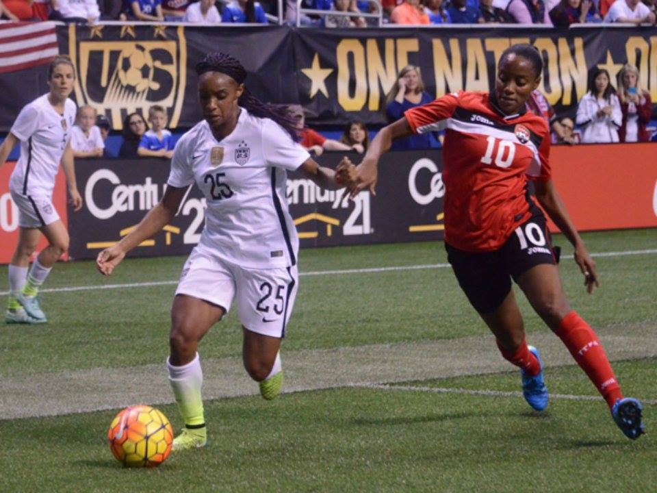 US women players thank T&T team.