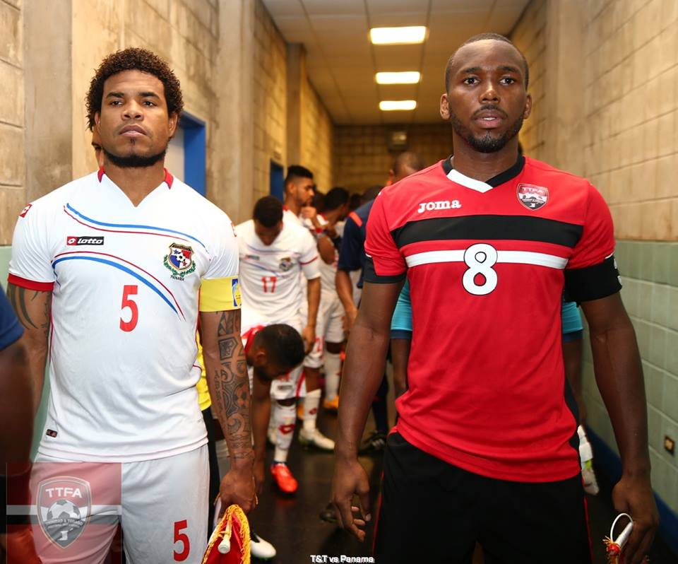 Panama's Román Torres and Khaleem Hyland leads their teammates out of the tunnel.