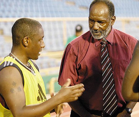 Russell Latapy chats with Lincoln Phillips (Photo: T&T Guardian).