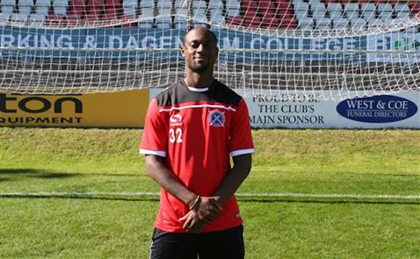 Justin Hoyte signs for Dagenham & Redbridge