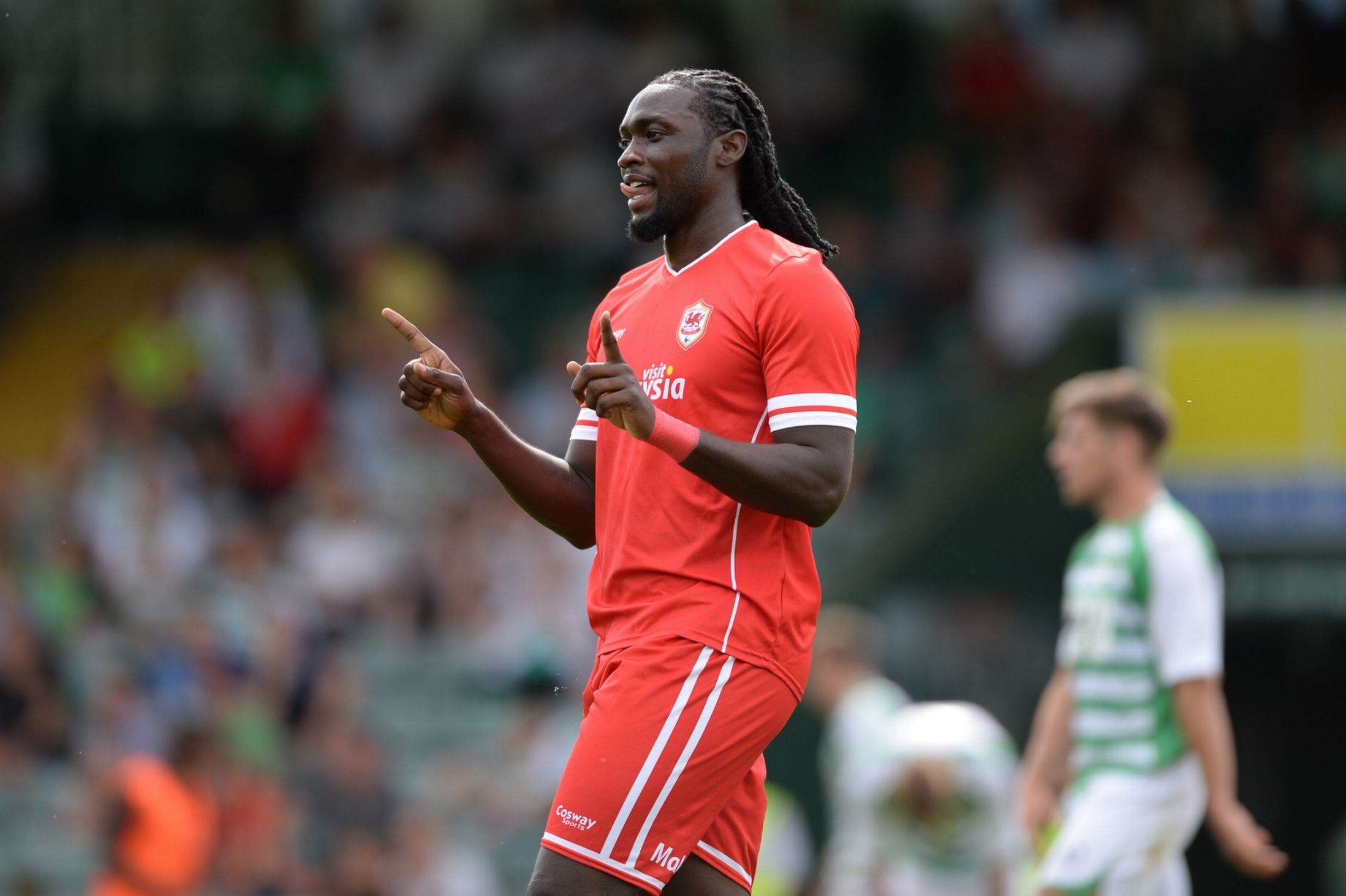 Kenwyne Jones vs Yeovil Town