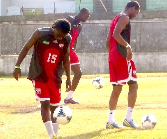 FL - Mitchell (D), Mitchell (C) and Daneil Cyrus training in Belize City