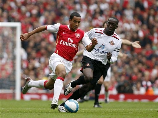 Dwight Yorke (up against Theo Walcott) shown the door by Sunderland.