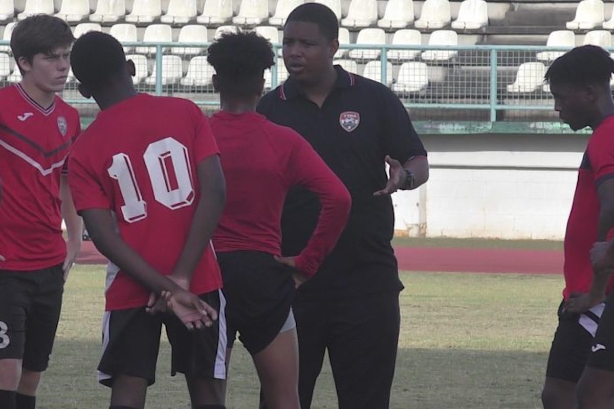 Nine overseas players arrive for U-20 training.