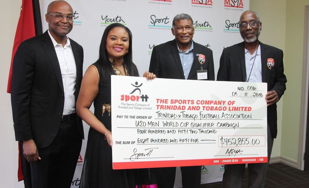 Sports Ministry gives $.4M to U-20 campaign.
