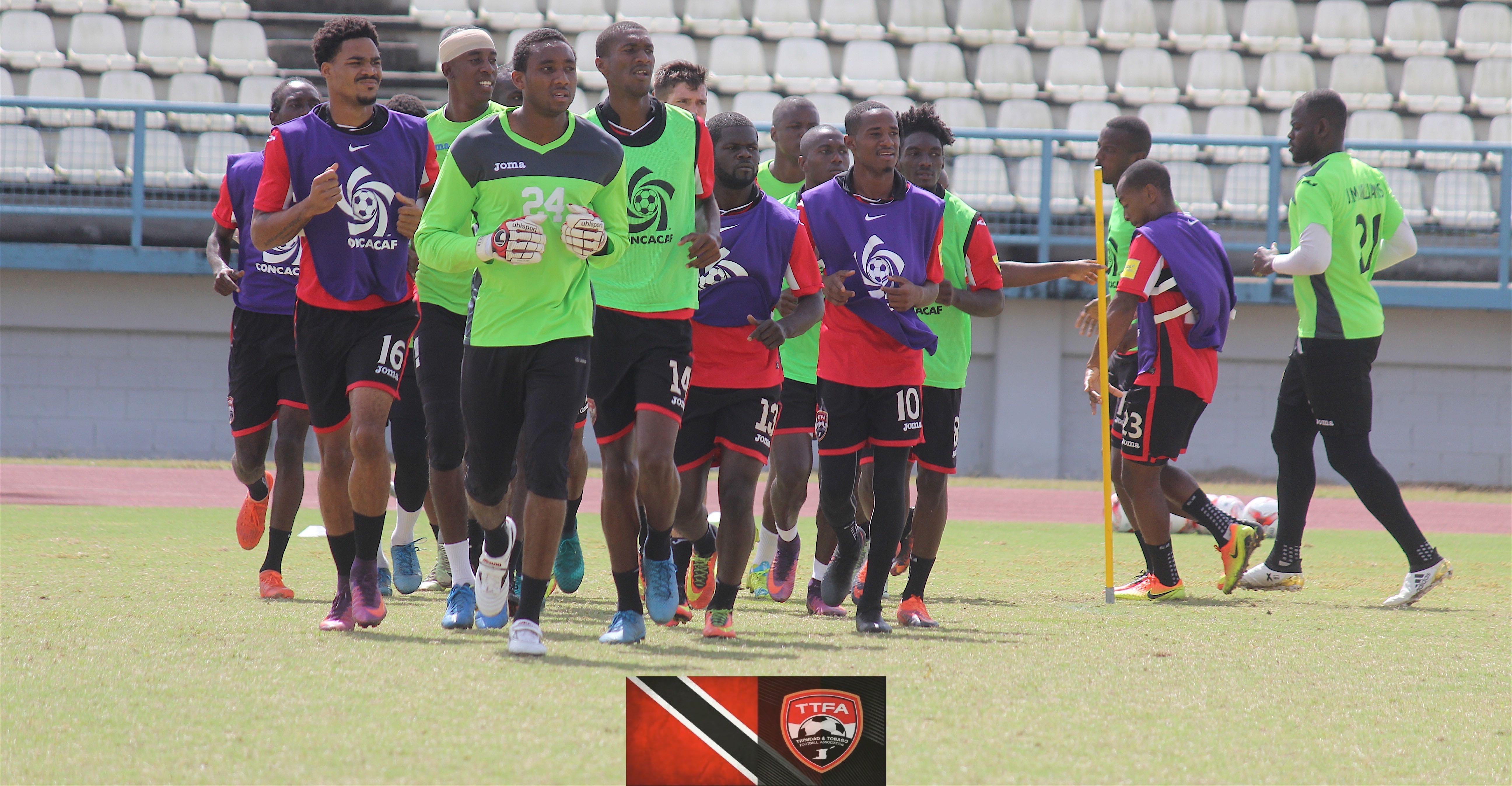 Players respond positively to Lawrence in opening training camp.